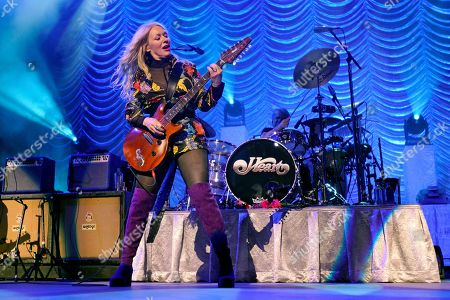 """Nancy Wilson, of Heart, performs during the """"Love Alive Tour"""" at the Hollywood Casino Amphitheatre, in Chicago"""