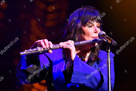 """Ann Wilson of Heart performs during the """"Love Alive Tour"""" at the Hollywood Casino Amphitheatre, in Chicago"""