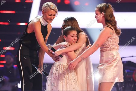 The Battles: Team Jessie: Keira, Jazzy B and Connie perform. Jessie puts Keira through to the semi final, watched by Emma Willis