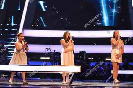 The Battles: Team Jessie: Keira, Jazzy B and Connie perform.
