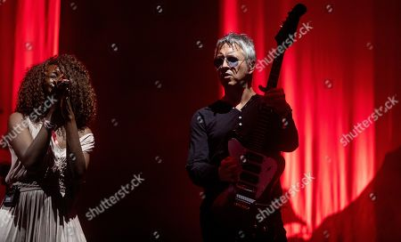 Stock Picture of Noel Gallagher's High Flying Birds - Jessica Greenfield and Gem Archer