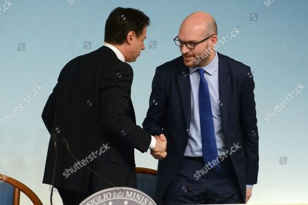 From left to right: Giuseppe Conte and Lorenzo Fontana