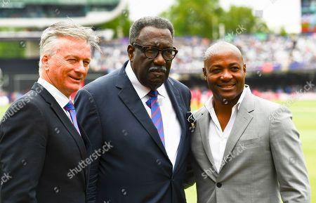 Steve Waugh, Sir Clive Lloyd and Brian Lara pose for a photo