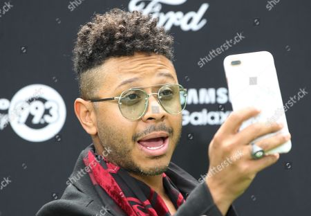 Kalimba takes a picture at his arrival to the presentation of the movie 'The Lion King' in Mexico City, Mexico, on 14 July 2019.
