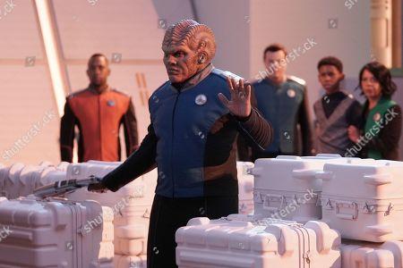 J. Lee as Lt. Cmdr. John LaMarr, Peter Macon as Lt. Cmdr. Bortus, Seth MacFarlane as Capt. Ed Mercer, BJ Tanner as Marcus Finn and Penny Johnson Jerald as Dr. Claire Finn