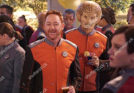 Scott Grimes as Lt. Gordon Malloy and Mike Henry as Dann