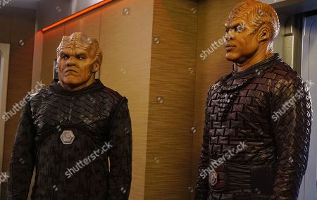 Stock Photo of Chad L. Coleman as Klyden and Kevin Daniels as Locar