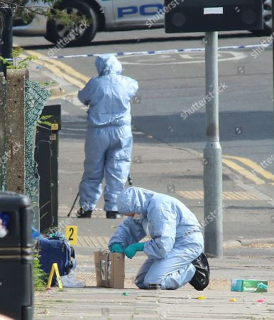 Police Forensic Officers Searching The Scene Of Another Stabbing In Romford Essex. 22/06/2018 Reporter Jim Norton.