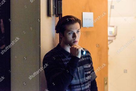 Leo Howard as Grover Jones
