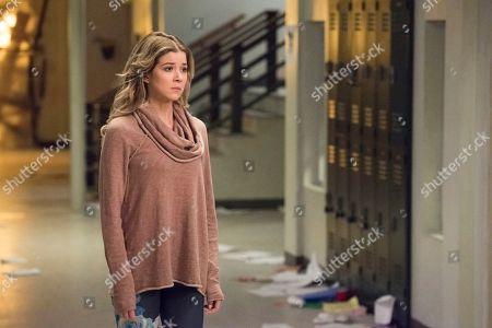 Meghan Rienks as Zoe Parker