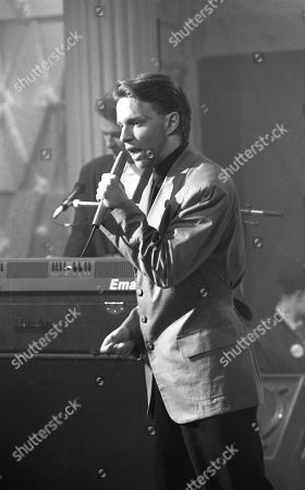 Pop Band: Johnny Hates Jazz: Clark Datchler (vocals) performing