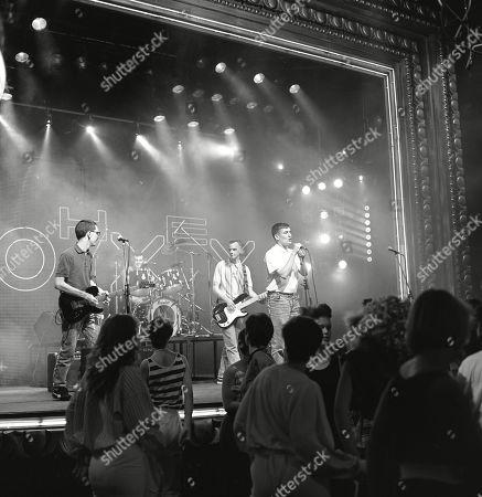 Pop Band: The Housemartins: Paul Heaton aka P.d. Heaton (vocals), Stan Cullimore (guitar), Fatboy Slim aka Fatboy Slim (bass), Dave Hemingway (drummer) performing