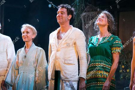 Lia Williams (Hannah Jelkes), Clive Owen (Reverend Shannon) and Anna Gunn (Maxine Faulk) during the curtain call