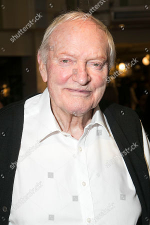 Julian Glover (Nonno)