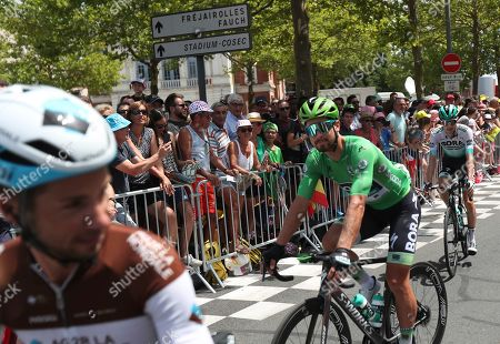 Slovakia's Peter Sagan wearing the best sprinter's green jersey arrives for the start of the eleventh stage of the Tour de France cycling race over 167 kilometers (103,77 miles) with start in Albi and finish in Toulouse, France