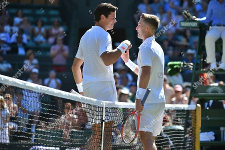 Liam Broady Loses In Three Sets The Championships Tennis Wimbledon 2018 Liam Broady (gbr) V Milos Raonic (can).