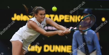 Katy Dunne In Action .wimbledon Tennis Day 2. 03/07/18 Jenena Ostapenko (lat) V Katy Dunne (grb) Katy Dunne In Action.