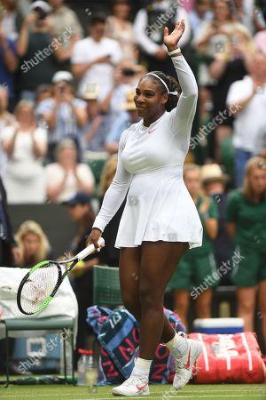 Serena Williams Wins In Straight Sets. Viktoriya Tomova (bul) V Serena Williams (usa) Wimbledon Tennis Day 3. 04/07/18