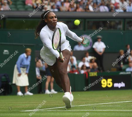 Serena Williams In Action. Viktoriya Tomova (bul) V Serena Williams (usa) Wimbledon Tennis Day 3. 04/07/18