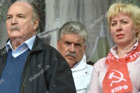 Deputy Chairman of the Moscow City Duma Nikolai Gubenko, left, and director of the Lenin State Farm Pavel Grudinin, right, during the rally.