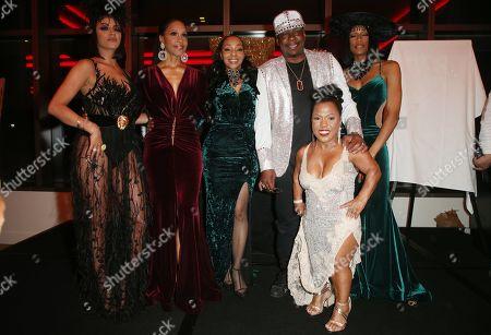 Golnesa Gharachedaghi, Rhona Bennett, Terry Ellis, Cindy Herron, En Vogue, Bobby Brown, Tonya Reneé Banks