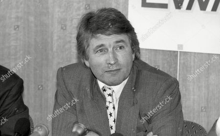 Jonathan Dimbleby at London Weekend Television (LWT) press conference announcing his new political tv series, taking over from Brian Walden as ITV's new political interviewer
