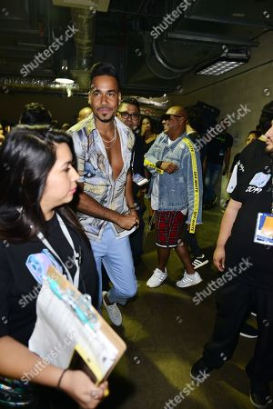Romeo Santos backstage