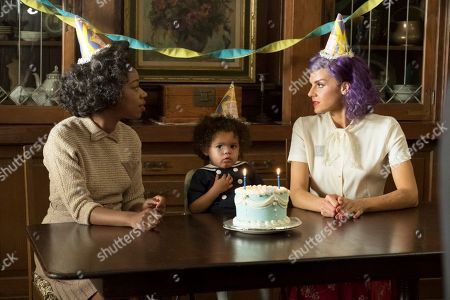 Diona Reasonover as Estelle Kronish and Eliza Coupe as Tiger