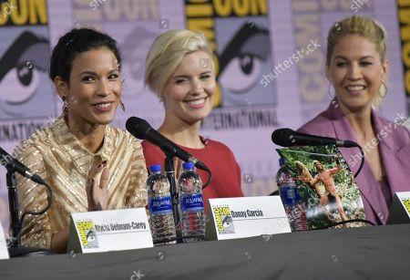 "Danay Garcia, Maggie Grace, Jenna Elfman. Danay Garcia, from left, Maggie Grace and Jenna Elfman participate in a ""Fear The Walking Dead"" Panel on day two of Comic-Con International, in San Diego"