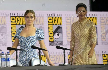 "Alycia Debnam-Carey, Danay Garcia. Alycia Debnam-Carey, left, and Danay Garcia walk on stage at a ""Fear The Walking Dead"" Panel on day two of Comic-Con International, in San Diego"