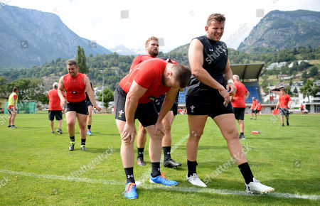 Rob Evans and Elliot Dee during training.