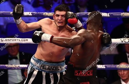 Lawrence Okolie and Mariano Angel Gudino during their Cruiserweight undercard fight.