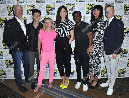 """Ted Danson, Manny Jacinto, Kristen Bell, D'Arcy Carden, William Jackson Harper, Jameela Jamil, Marc Evan Jackson. Ted Danson, from left, Manny Jacinto, Kristen Bell, D'Arcy Carden, William Jackson Harper, Jameela Jamil and Marc Evan Jackson arrive at """"The Good Place"""" press line on day three of Comic-Con International, in San Diego"""