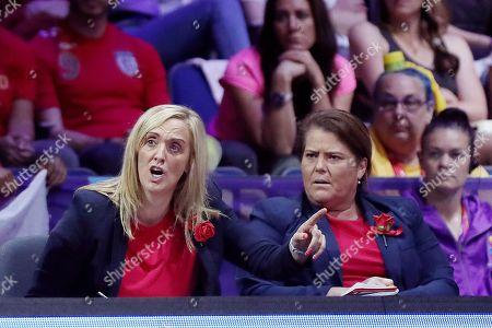 England head coach Tracey Neville