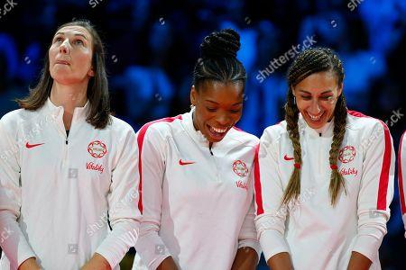 Rachel Dunn, Eboni Usoro-Brown and Geva Mentor of England during the medal presentation
