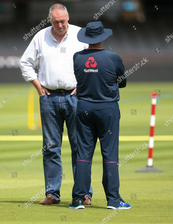 Angus Fraser  (England selector) chats with England Coach Trevor Bayliss