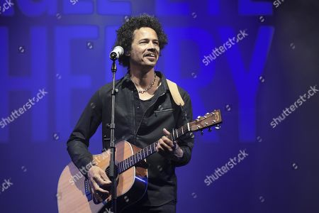 Stock Picture of Eagle-Eye Cherry
