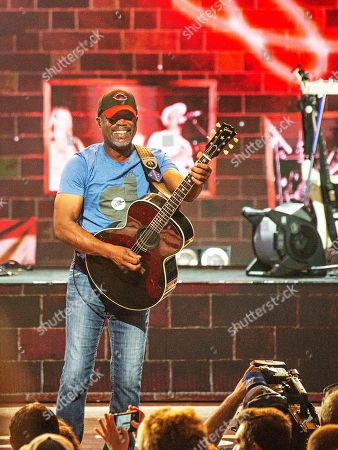 Darius Rucker of Hootie & the Blowfish performs during the Group Therapy Tour at Riverbend Music Center, in Cincinnati, Ohio