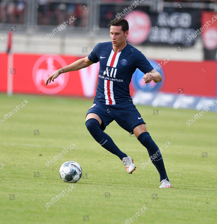 Julian Draxler     Football international friendly 1 FC Nuernberg  -  Paris SC 20 Juli 2019 in Nuernberg   DFL regulations prohibit any use of photographs as image sequences and / or quasi-video.