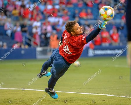Bayern goalkeeper, Sven Ulreich (26), in action during the International Champions Cup match between AC Milan and FC Bayern, at Children's Mercy Park in Kansas City, KS. Bayern defeated AC Milan, 1-0. Kevin Langley/Sports South Media/CSM