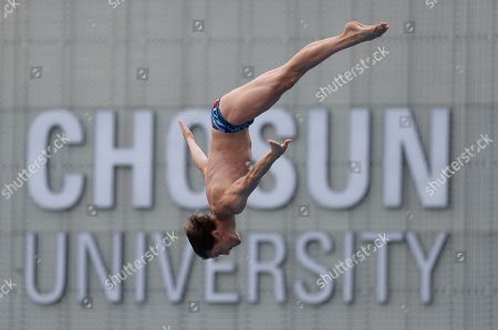 Gary Hunt of Britain in action during the Men's High Dive at the FINA Swimming World Championships 2019 in Gwangju, South Korea, 24 July 2019.