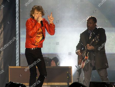 "Mick Jagger, Darryl Jones. Mick Jagger, left, and Darryl Jones of The Rolling Stones perform in concert during their ""No Filter Tour"" at Lincoln Financial Field, in Philadelphia"