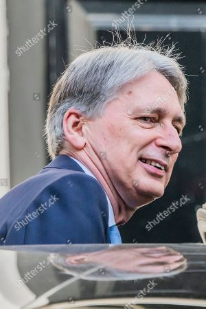 Philip Hammond leaves Number 11 for the last time on his way to PMQ's