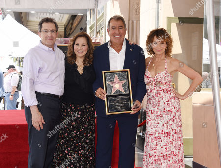 Gary Marsh, Kathy Najimy, Kenny Ortega and Jennifer Grey