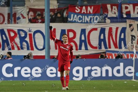 Paolo Guerrero of the Brazilian Internacional celebrate after scoring during the Copa Libertadores match at the Gran Parque Central Stadium in Montevideo, Uruguay, 24 July 2019.