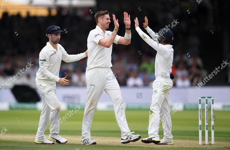 England vs Ireland. Boyd Rankin of Ireland celebrates the wicket of Moeen Ali with his teammates