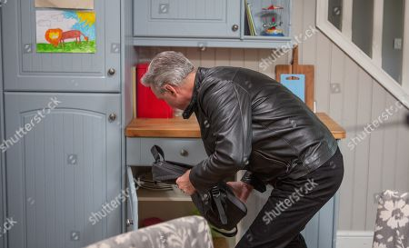Ep 8552 Wednesday 31st July 2019 Frank, as played by Michael Praed, is acting furtive.