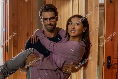 Mike Vogel as Russell and Brenda Song as Jennifer Williams