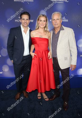 Peter Facinelli, Lily Anne Harrison, Gregory Harrison