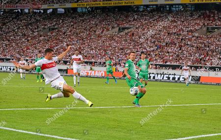 26.07.2019, Football 2.Bundesliga 2019/2020, 1. match day, VfB Stuttgart - Hannover 96, in Mercedes-Benz-Arena Stuttgart, li: goal of  Mario Gomez (Stuttgart)  1:0.